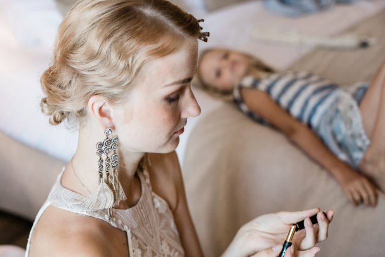 bride getting ready at the hotel